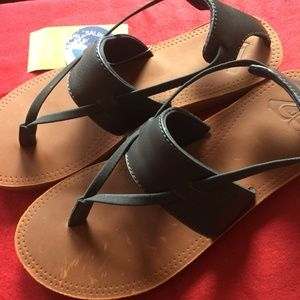 Roxy Shoes - NWT Roxy Women's Shawna Navy Leather Sandals 7